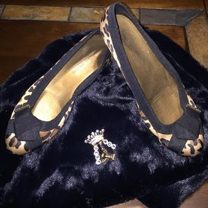 Christian Siriano Shoes - 💋Oh Behave!👓Animal Print Flats👓Black & Gold👓