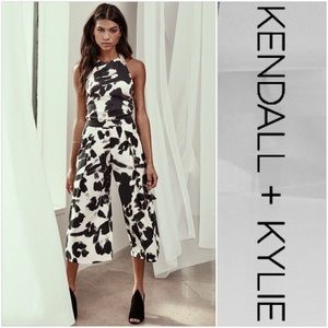 Kendall + Kylie Black & White Pleat Crop Trousers