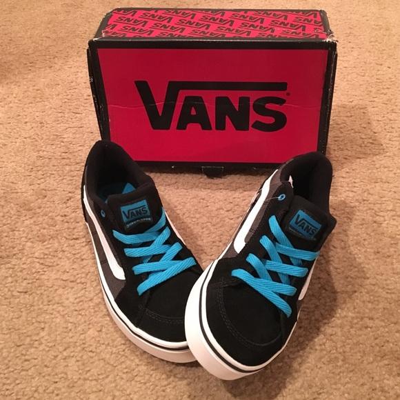 06630349e4 Boys Transistor Vans skate shoes