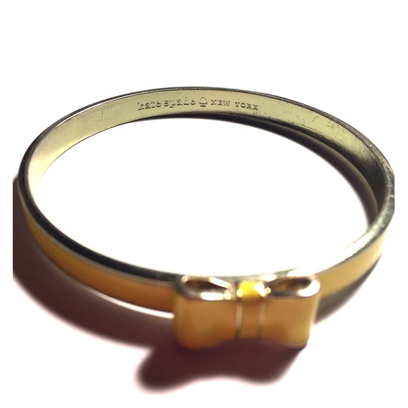 kate spade Jewelry - 👑KATE SPADE YELLOW BOW BANGLE👑