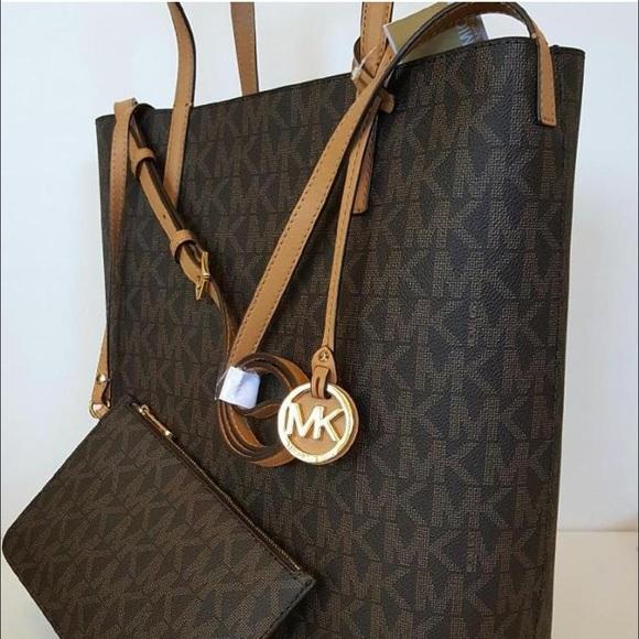 9ae2226d2d1a Michael Kors Bags | Hayley Monogram Tote Bag | Poshmark