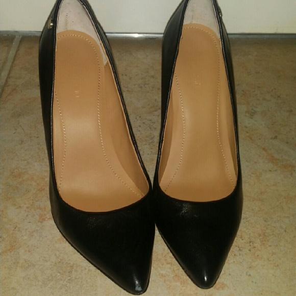 06aee1e3a54 Calvin Klein Shoes - Calvin Klein Brady Pumps Heels - Size 6