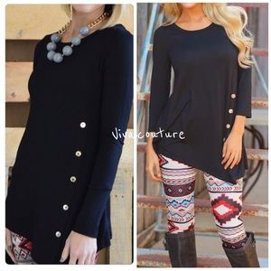 Vivacouture Tops - One Hour Sale 🦋Side Button Tunic