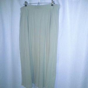Orvis Dresses & Skirts - Full tan skirt