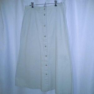 Orvis Dresses & Skirts - Light kahki skirt