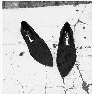 SALEFREE PEOPLE POINTED FLAT