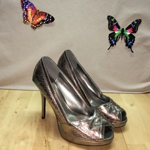 Delicious Shoes - 💟☮️☯️ Gun Metal Pumps by Delicious Size8 ☯️☮️💟