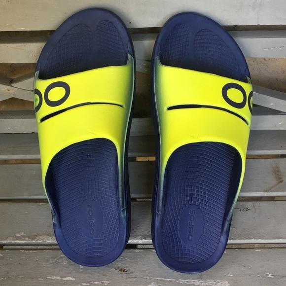 3a0f6f06611 NWOT Oofos sport men s slide sandal. M 58370c35981829a448032190