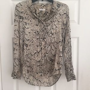 EQUIPMENT - Silk snake print blouse