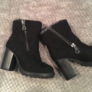 NEW Suede heel boots