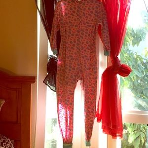 Komar Kids Other - Super cute girls pjs with sep booties!