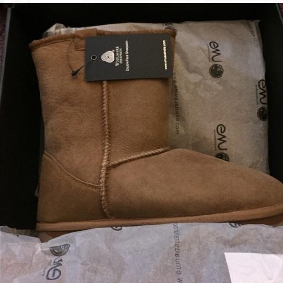 10d1c802095 Chestnut Sheep Emu Ugg Boots NWT