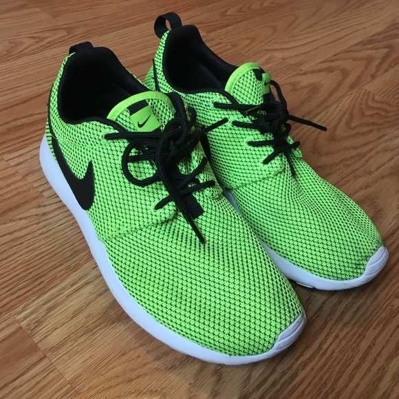 pick up 97196 716e8 Bright Green Nike Roshe Rosherun kids *FLASH SALE