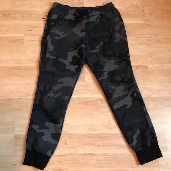 66f43e192459 Nike Tech Fleece Joggers - Camo - Large. M 58372c7378b31ce03c0033e4