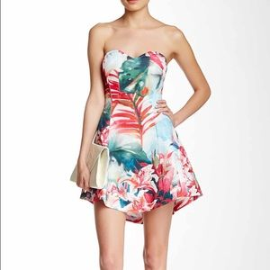 Dresses & Skirts - Wow Couture Cocktail Dress