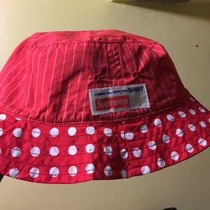 supreme Comme Des Garcons Accessories - Reversible supreme bucket hat e88a27ec1ca