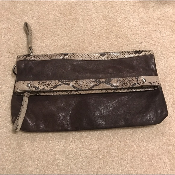 Kenneth Cole Handbags - Kenneth Cole brown leather clutch