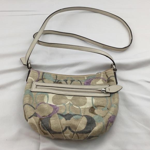 ad01fc9d587a Coach Handbags - 💥Final Sale💥 Coach Sling Bag