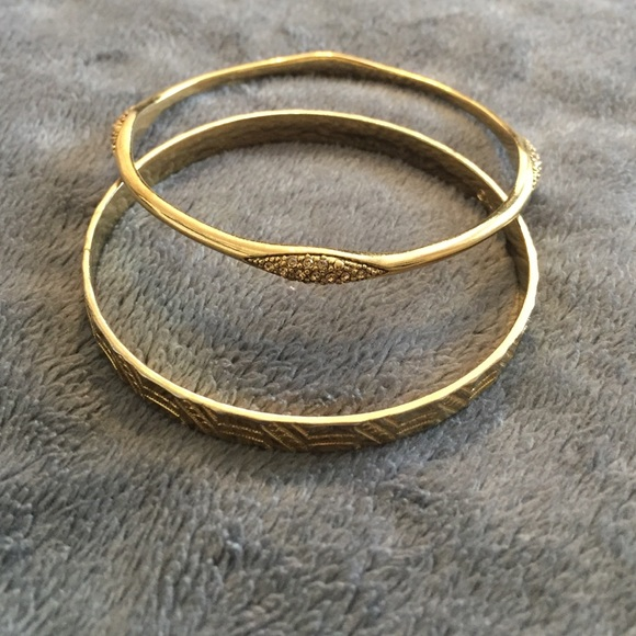 7404f271c46ac 2 Monet Gold Bangle Bracelets