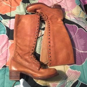 Vintage Frye lace up boots!