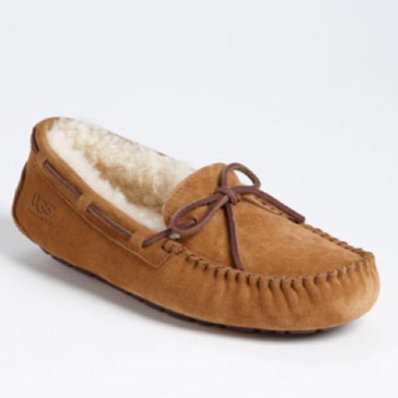 eb4379606f2 Ugg Dakota Moccasin Slipper Chestnut Size 8