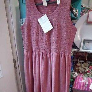 Denim & Co. Dresses & Skirts - 1X Cute Red Seersucker Pleated Dress