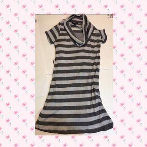 Amy Byer Other - Amy Byer cowl neck knit tee dress gray/blk Sz. 14