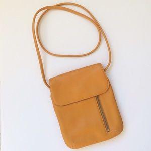 Tignanello Handbags - 🎉HP🎉 🆕 Tignanello Crossbody Purse