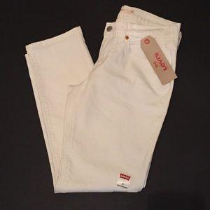 Levi's Denim - 🆕 Levis off white boyfriend jeans