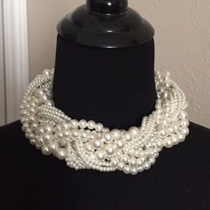Leoninus Jewelry - Twisted Faux Pearls Choker/Necklace