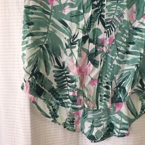 Old Navy Tops - 🌴tropical blouse🌴