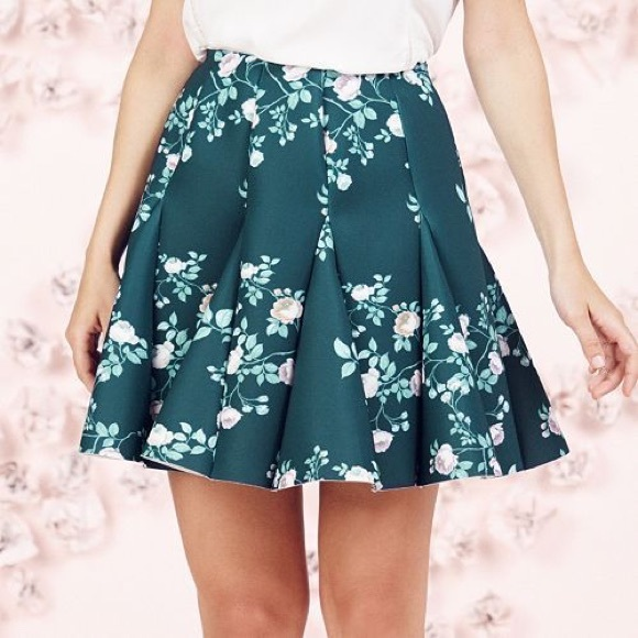 LC Lauren Conrad Dresses & Skirts - LAUREN CONRAD RUNWAY COLLECTION GREEN SKIRT