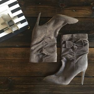 Kate Spade Sz 9.5 bow boots gray Suede