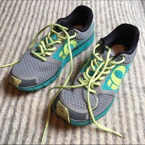 Pearl Izumi Shoes - Pearl iZumi Mesh Running Shoes