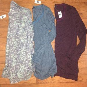 GAP Tops - NEW 3 GAP TOPs T-Shirt M Layers