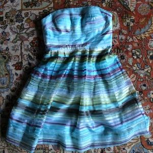 Donna Morgan Dresses & Skirts - Gorgeous party dress by Donna Morgan, size 6 🎉🎉