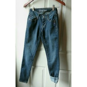 Old Navy Denim - NWT Old Navy Rockstar Skinny Jeans 0 Short/Crop