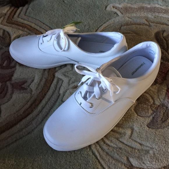 Tennis Shoes Women s 12W --- NWT 714736ba0