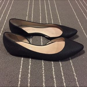 Aldo black leather flats