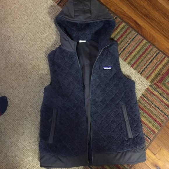 Patagonia Women s Los Gatos Hooded Vest. M 5838bf2c2de5129dc104d29d 98cead004d