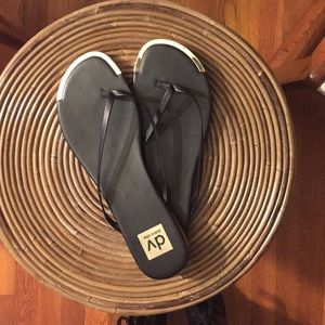 Dolce Vita Shoes - Dolce Vita Flip Flops
