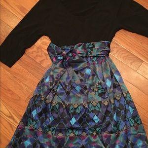 Maternal America Dresses & Skirts - Beautiful geometric black/blue maternity dress