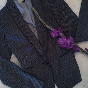 Tahari Jackets & Blazers - Sophisticated Tweed Skirt Suit