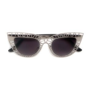 Style Link Miami Accessories - ▫️2/$22▫️SILVER CUTOUT CATEYE SUNGLASSES