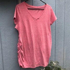 Liz Lange Tops - Liz Lange Tshirt  🎀