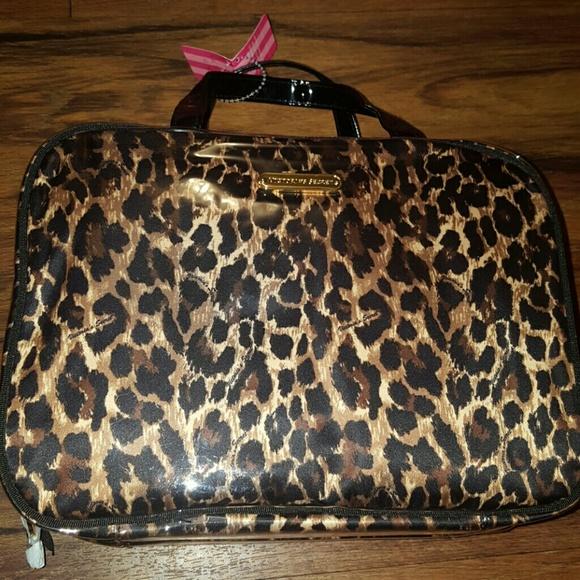 3723f0a0b6fc Victoria Secret cosmetic /hanging bag animal print NWT