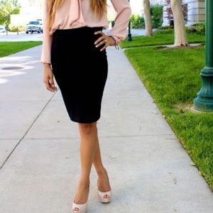 H&M Black Pencil Midi Skirt with Pockets