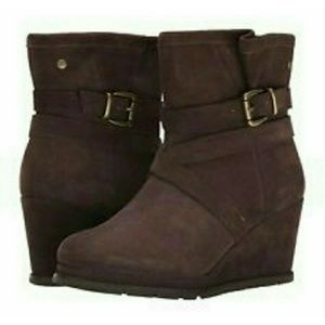 Caterpillar Shoes - Final Price🎆 Caterpillar Bemuse Brown Wedge Boots