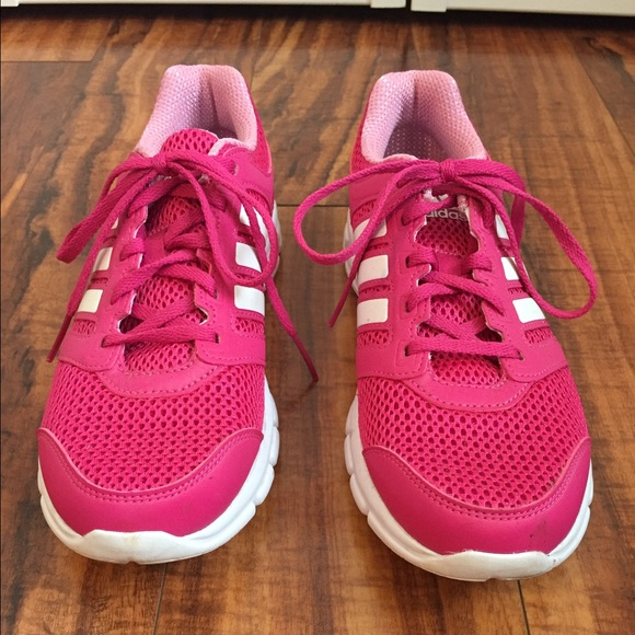 d30b0f85a Adidas Shoes - CYBER MONDAY DEAL‼️Adidas Super Comfy Running Shoe