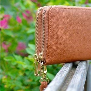 Bags - Wristlet/Wallet